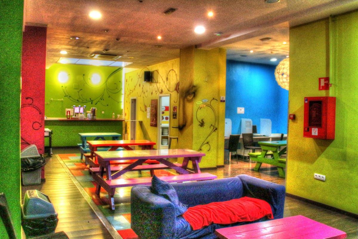 Purple Nest Hostel Review (Valencia)