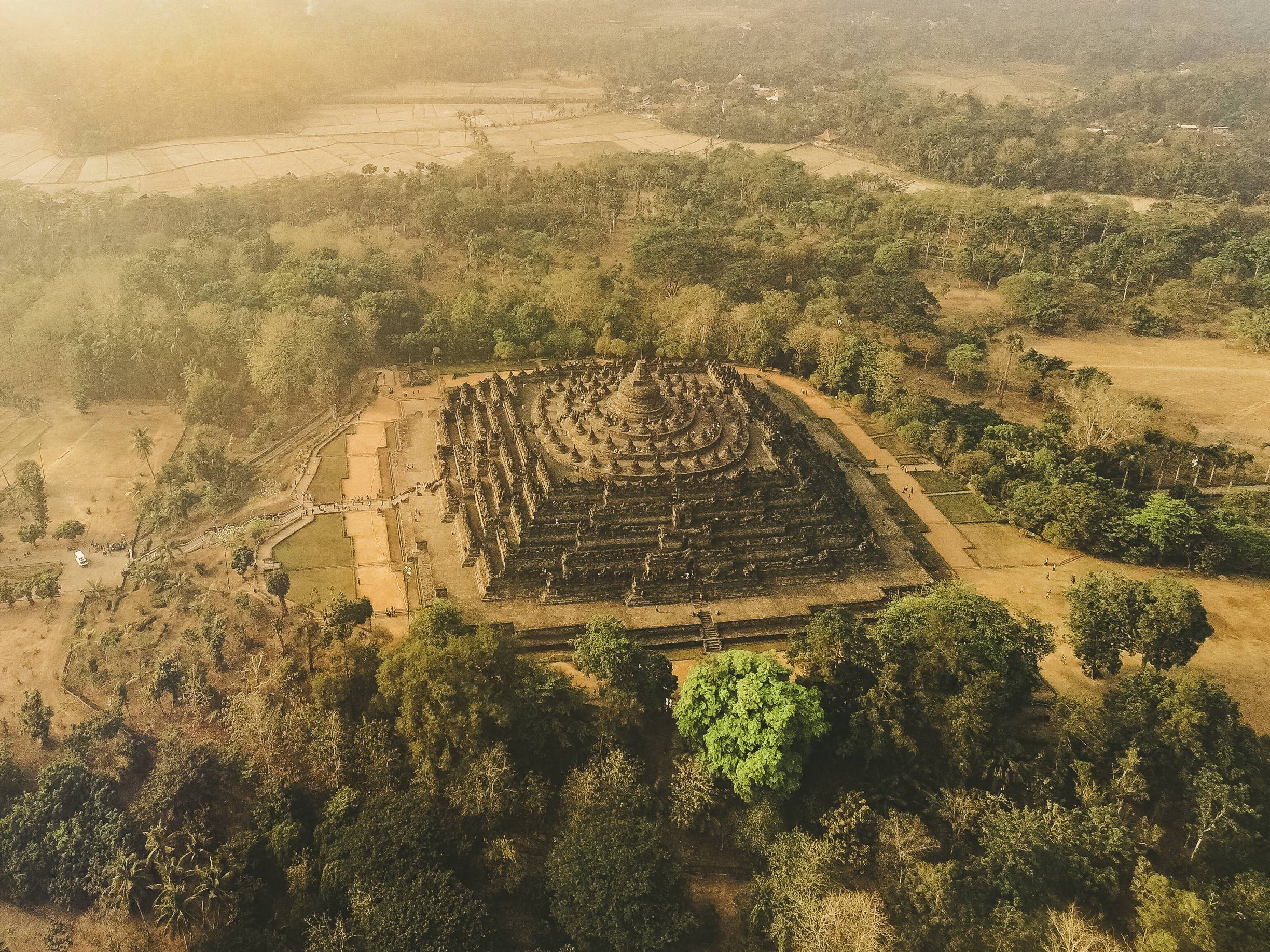 borobudur sunrise tour, borobudur sunrise, borobudur, biggest buddhist temple, buddhist temple indonesia, borobudur indonesia, trip of wonders 2018, plataran heritage hotel borobudur