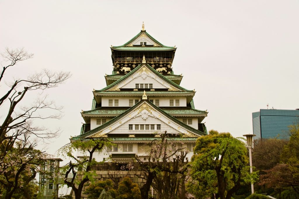osaka castle - places to visit in japan